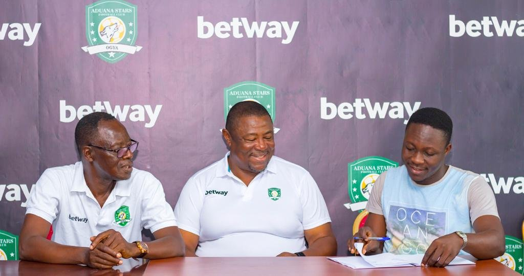 OFFICIAL: Paa Kwesi Fabin signs for Aduana Stars