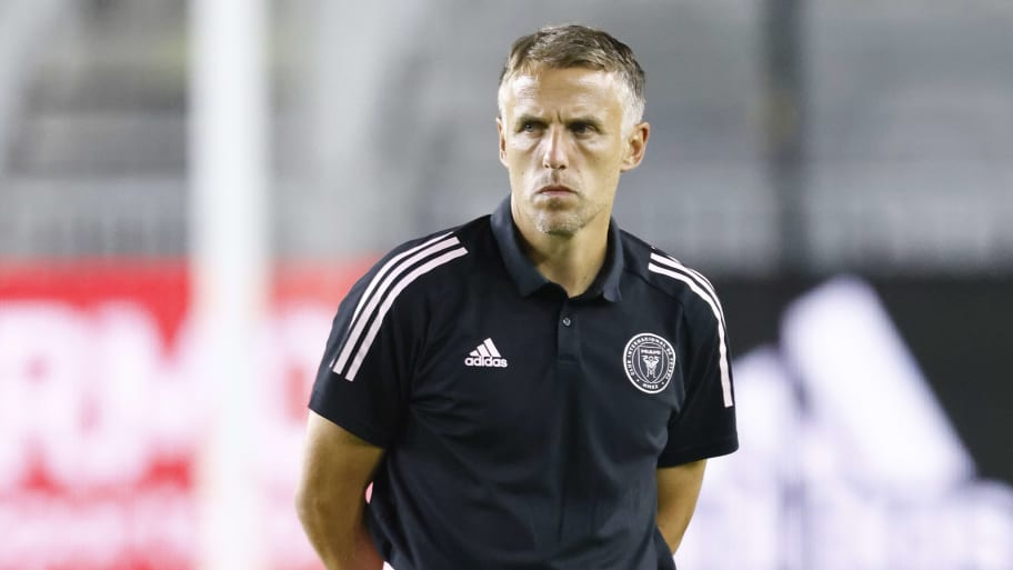 Phil Neville shuts down Rodolfo Pizarro transfer rumors