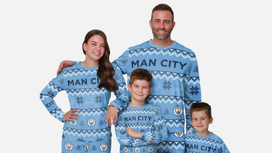 Stay comfy this holiday with English Premier League pyjamas & mugs