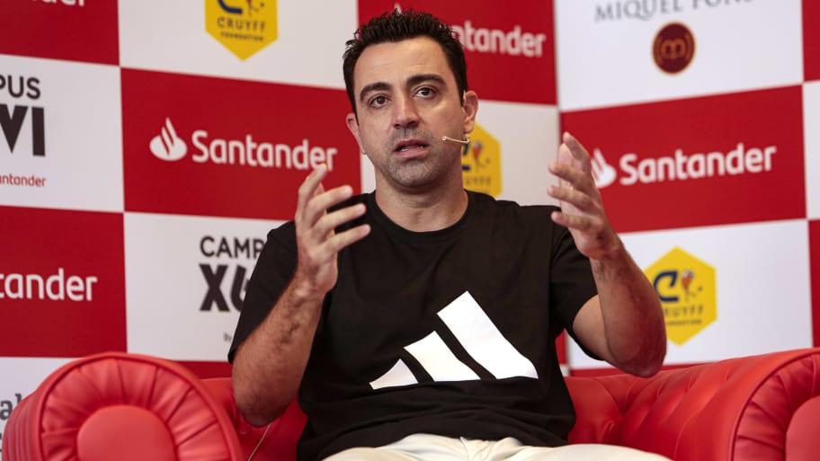 Barcelona continuing talks with Xavi Hernandez